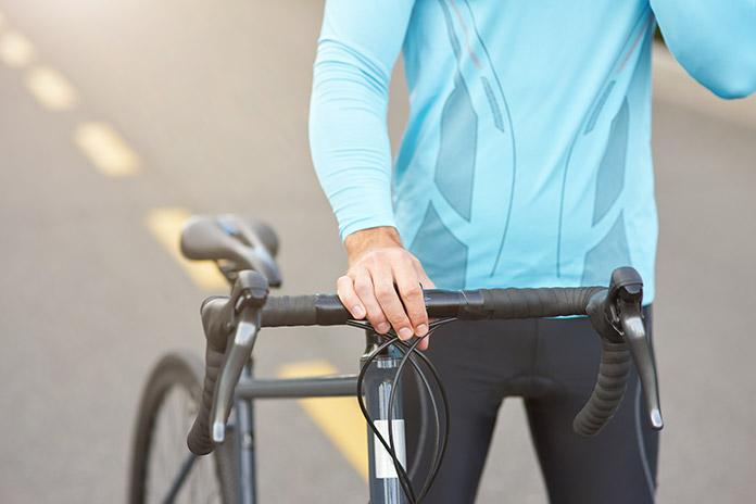 Cestni kolesar